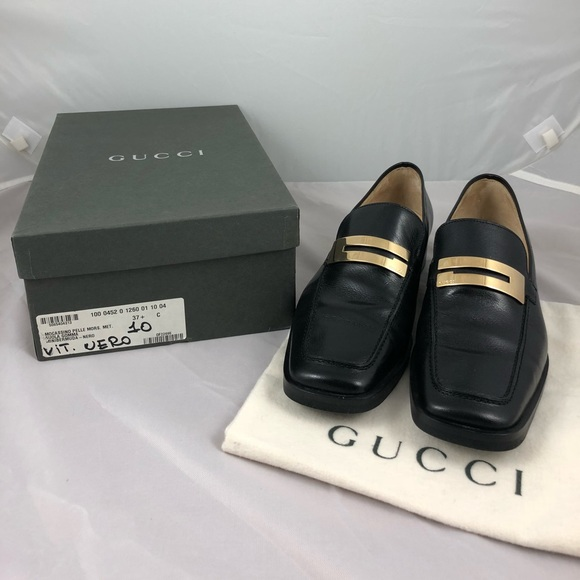 745b1ca83a0 Gucci Shoes - Authentic Vintage Black Gucci Loafers w  Gold Logo